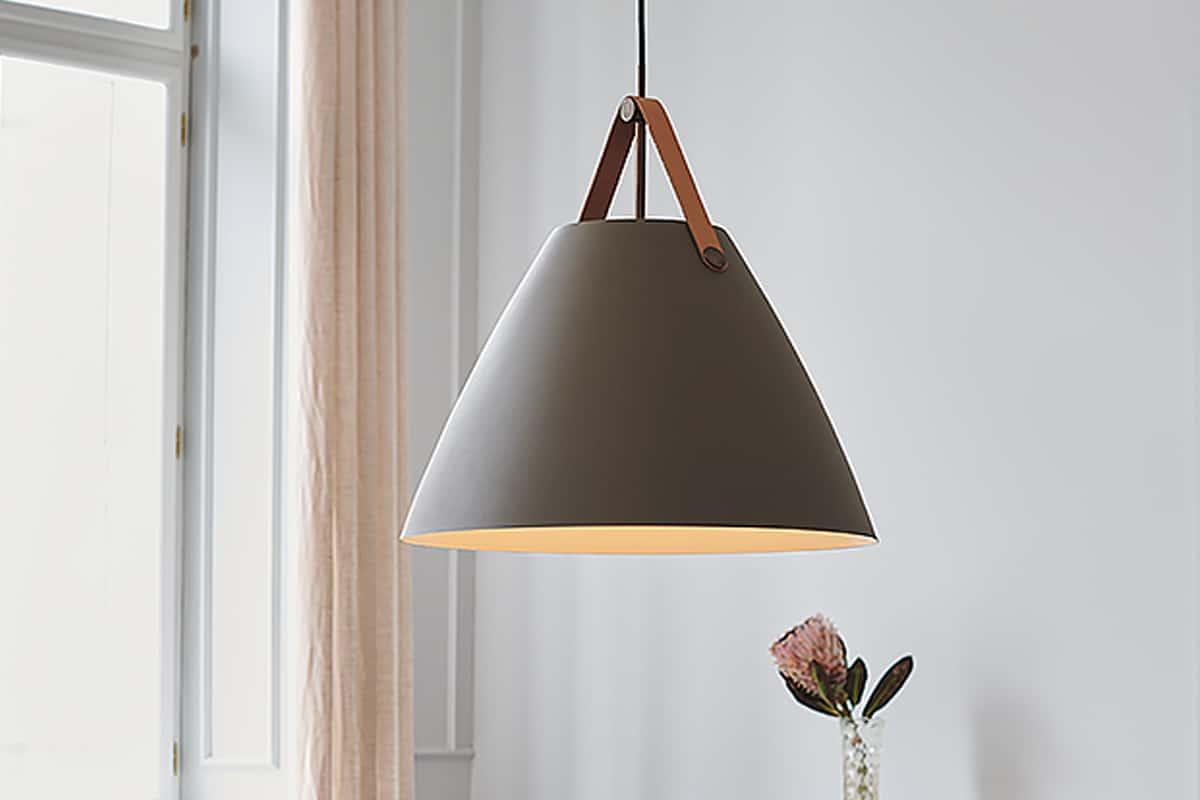 Conische hanglamp met leer