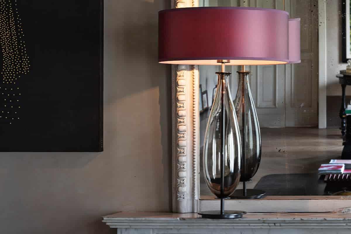 Tafellamp met rode kap