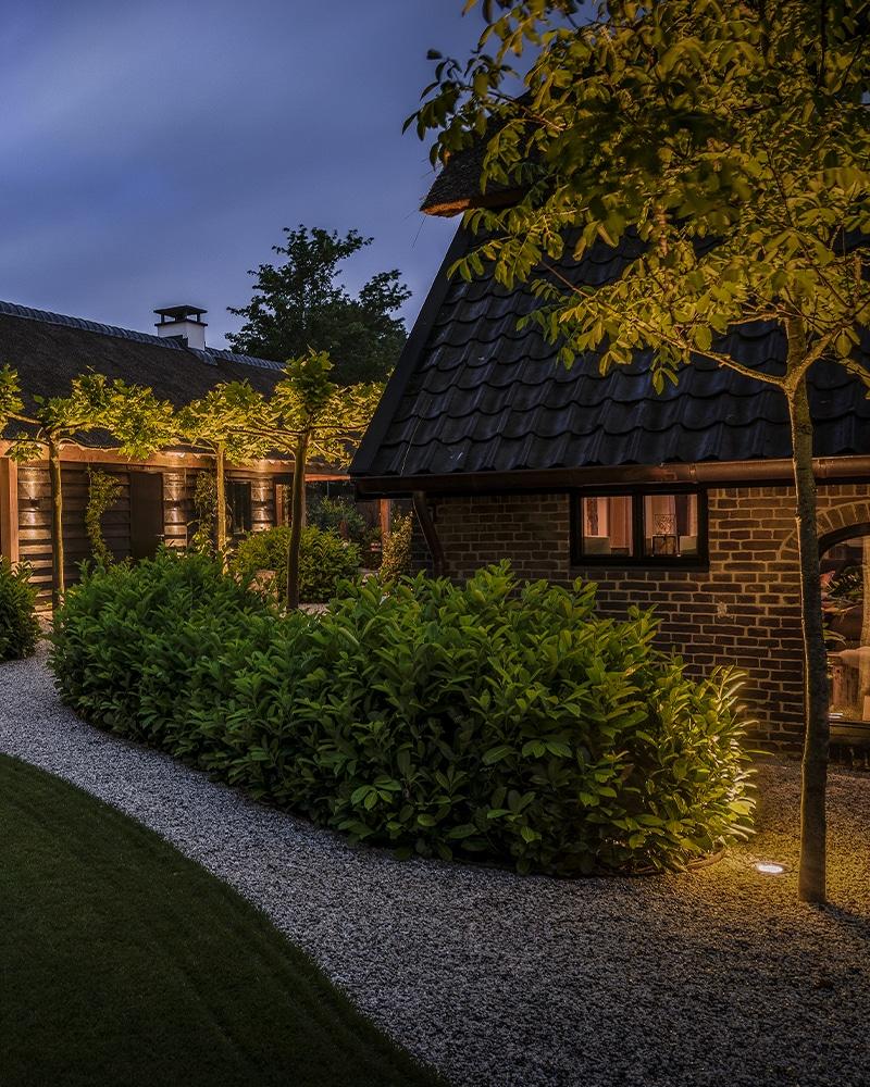 Laat Jouw Tuin Tot Leven Komen Met Onze Buitenverlichting - Verlichting Voor Tuinen En Parken