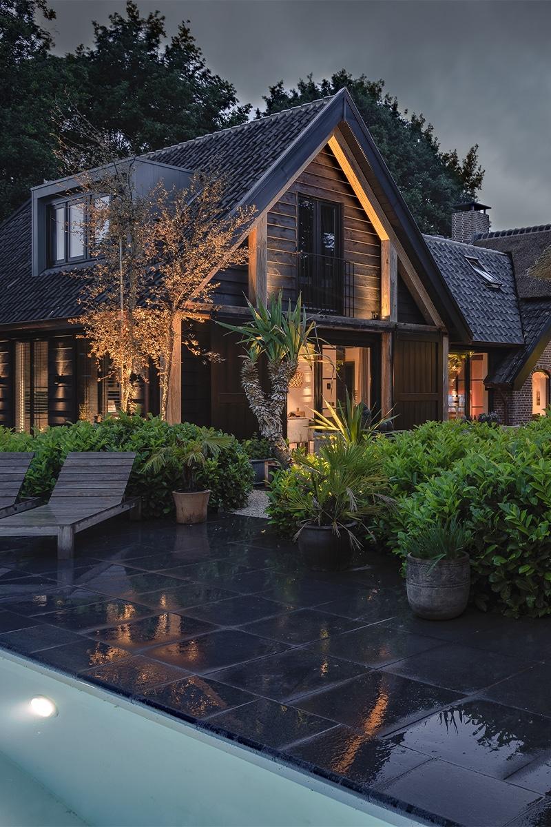 Buitenverlichting voor deze villatuin Hoevelaken
